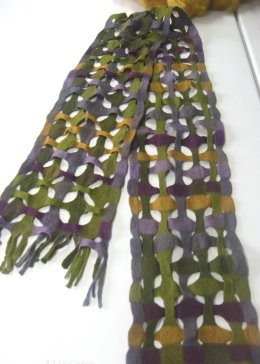 felted lattic scarf